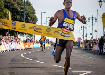 Moses Kipsiro wins the Great South Run 2015 men's race